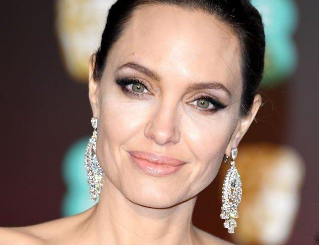 """150 mila italiani presentano una mutazione dei geni detta """"Gene Jolie"""""""